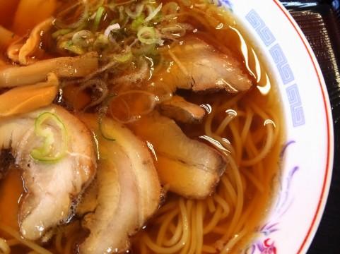 """每年吃600杯的拉面评论家,""""拉面现在在东京吃"""""""