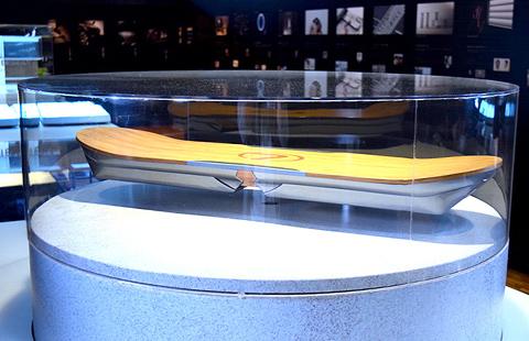 東京モーターショーで展示中! レクサス「ホバーボード」開発秘話