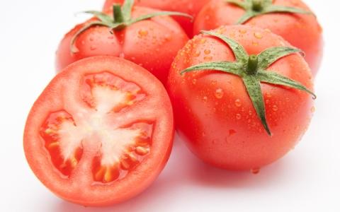 生トマトと炭水化物の食べ合わせはNG!?