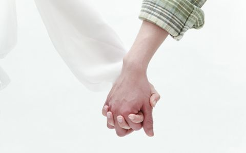 イマドキ10代、何回目のデートで手をつなぐ?
