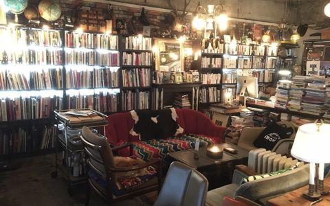 ハルキスト必見!「文化的雪かき」を体現する本屋