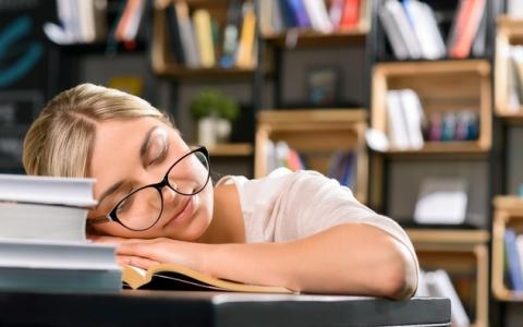 姫乃たま「なぜか眠くなってしまうおすすめの本」