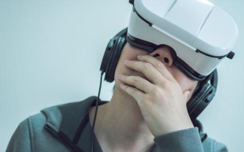 音楽とテクノロジーが融合!ビョークの喉の中に入り込むVR体験も!