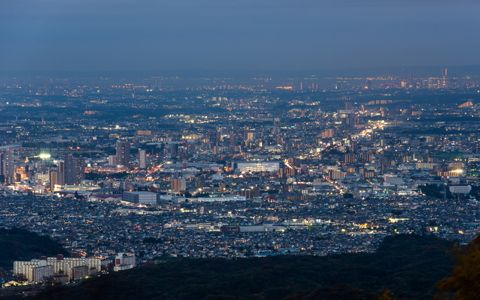 星空と東京の夜景を楽しめる「高尾山」の魅力