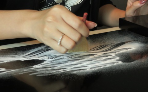 日本人も知らない日本の伝統芸術「盆石」って何?