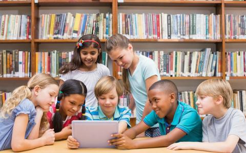 全員が街づくりに参加できる、オンライン図書館とは