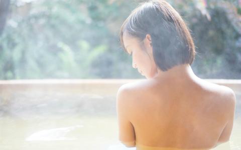 夏バテ知らずの「3・3・3入浴法」って?