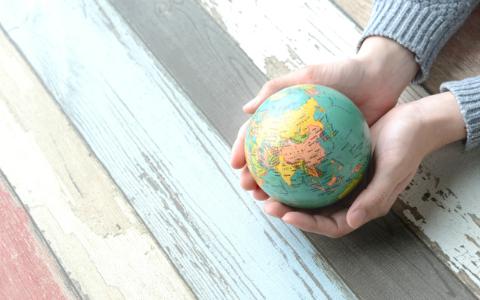 世界旅行している気分になれる洋楽を亀田誠治が厳選!