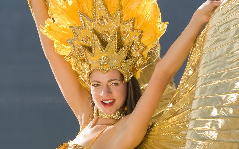 夏の目覚めはサンバのリズムが陽気なラテン音楽で!
