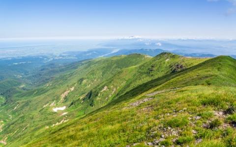 山形県の真ん中にある「月山」 その名前の由来とは