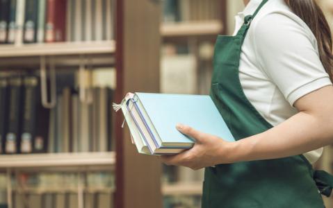 本にとって良い装丁の条件は本屋で◯◯、家では◯◯