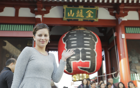 外国人観光客 「ラッシュ時の満員電車に乗りたい!」