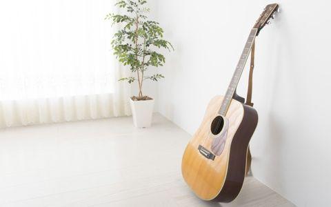 浜崎貴司の曲作り「歌ってくれるギター」とは