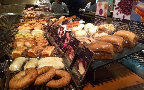 一日1000個を売り上げる! 丸の内の人気パン