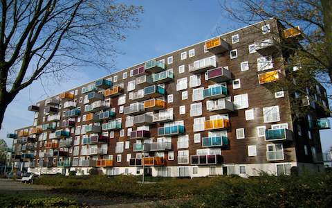 ポップでカッコいいヨーロッパのシニア向け住宅