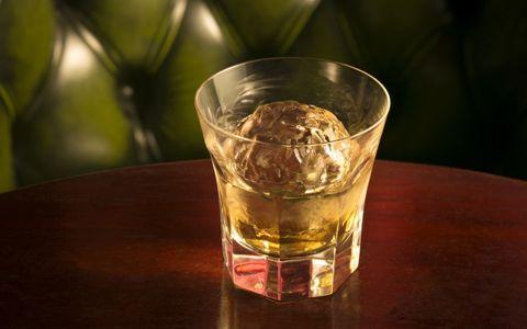ウイスキーで上唇がムズムズする感じ、何という?