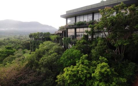 自然と共に変化し続けるジェフリー・バワ建築の魅力