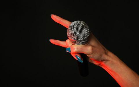 松本伊代「ごめんなさい、と思いながら歌ってます」