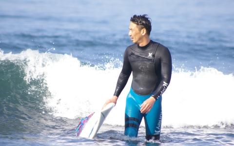 日本で初めてサーフィンをした人は誰?