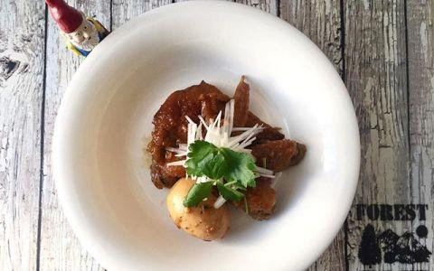 タレが決め手の簡単料理「手羽先の甘辛煮」を紹介