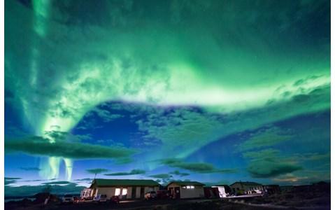 北欧アイスランド、実は冬も暖かい?