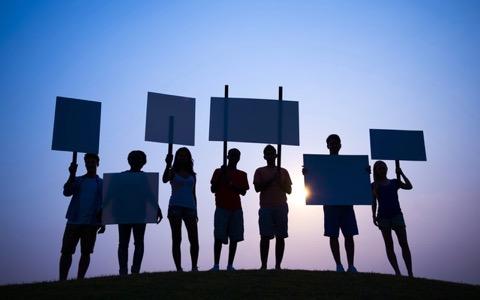 マドンナにガガ…トランプ不支持運動を起こすセレブ達