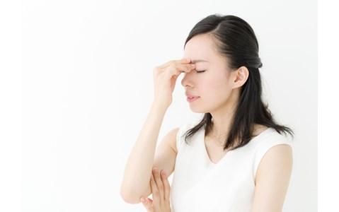 目の疲れをとる簡単なツボ押し法は?