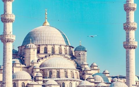テロ事件から半年、イスタンブールは信じられない姿に
