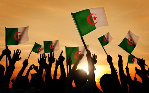 ラジオで初オンエア?アルジェリアのインディーズ音楽