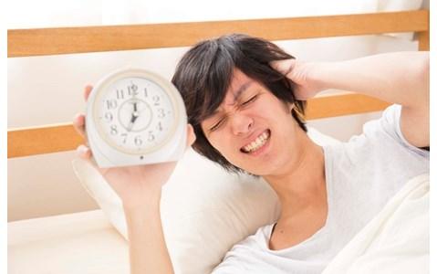 1時間早起きしたいとき、前の日は何時に寝るのが正解?