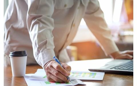 仕事のパフォーマンスを上げる脳内物質を増やすには?
