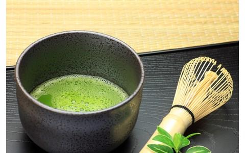ドクロの茶道具に光る畳? 横浜の茶道教室が斬新