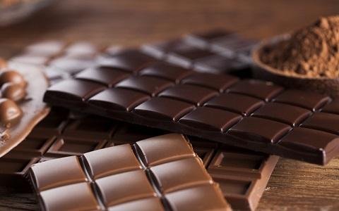 岡田准一も興味津々! 口内調理で味わうチョコレート
