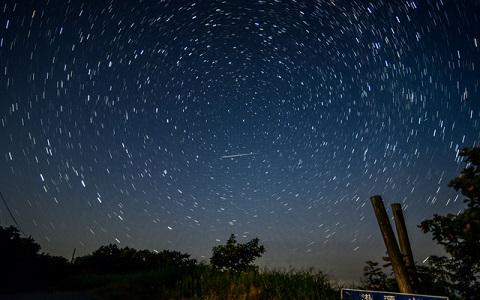【8月12日夜の流星群】都会でも2分に1回流れ星!?