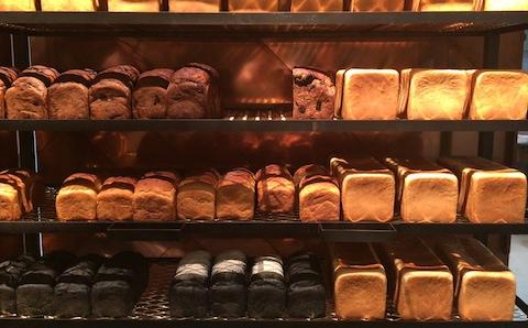 アンジャ渡部建も満足! 南青山にできた食パン専門店