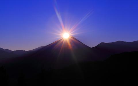 """貴重な絶景""""ダイアモンド富士""""を都内で見られる場所"""