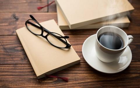 名作文学をAIがコーヒーで表現?「飲める文庫」