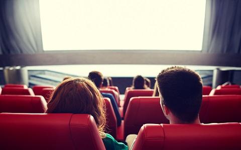 「移動映画館」が伝えたい、もっと自由な映画鑑賞