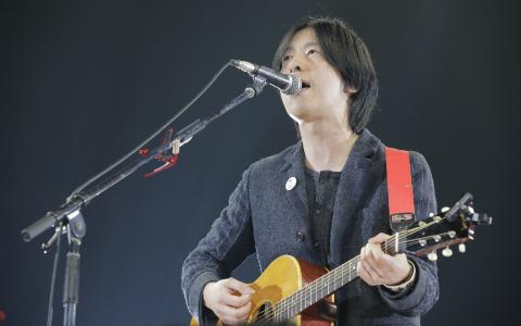 ストレイテナー・ホリエアツシ、まさかの「土俵入り」 秦基博のカバー披露!
