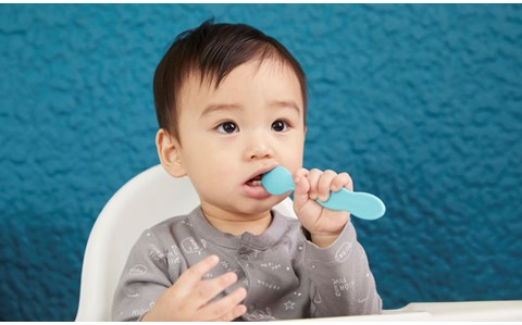 岡田准一も思わず感動! 赤ちゃんも使いやすい「こぼしにくい器」