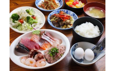 お刺身が1300円で食べ放題! 浅草橋の大人気ランチバイキング
