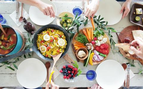 食品が最大7割引! いま注目のフードロス削減サービス「TABETE」とは?