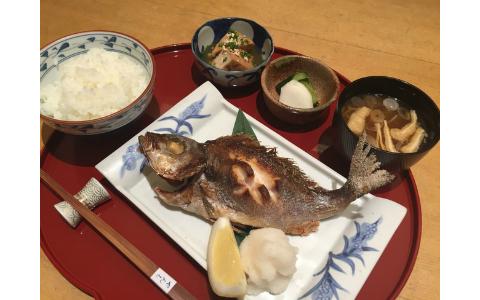 皮面はパリッと、身はふっくら! 行列ができる人気和食店イチオシの焼き魚定食