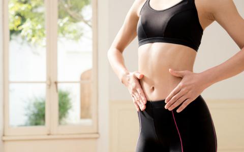 腸の位置を元に戻して痩せやすい体に! 美腸ナースおすすめの簡単ストレッチ