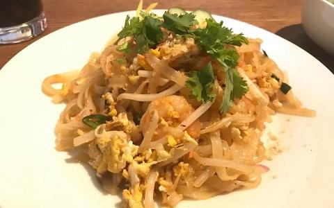 麺はタピオカ入りのモチモチ食感! 浦和レッズ・西川周作選手がハマったタイ料理