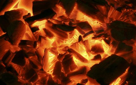イル・ディーヴォ、新作は火事の中で録音した「ホットなアルバム」