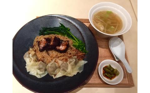 1日20食限定! チャーシューがとろける絶品シンガポール汁なし麺