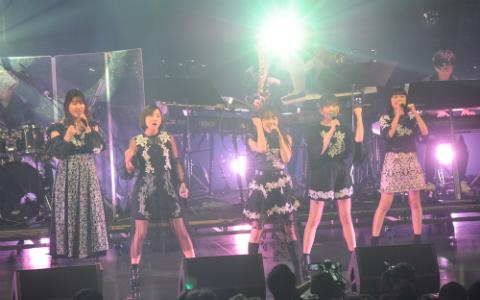 Little Glee Monster、25周年を迎えたJリーグに「大先輩です」 ライブでサッカー日本代表を応援