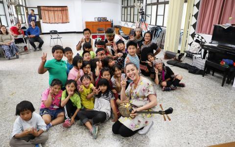 元ちとせ、「鼻で吹く笛」にチャレンジ! 台湾の少数民族を巡る旅
