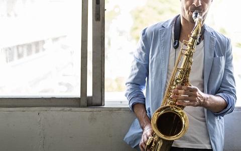 古典音楽とジャズの融合、アラビックジャズを特集